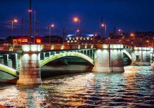 График разведения Биржевого моста изменен до 23 июля
