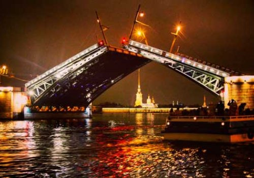 Развод Дворцового моста под музыку Олега Каравайчука