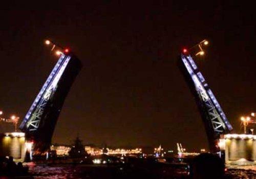 Шоу «Поющие мосты» в Санкт-Петербурге