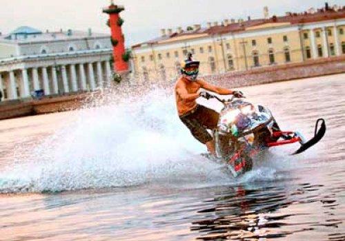 Акватория возле Эрмитажа и «Авроры» закрыта для водных мотоциклов