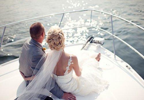 Свадьба на катере и яхте